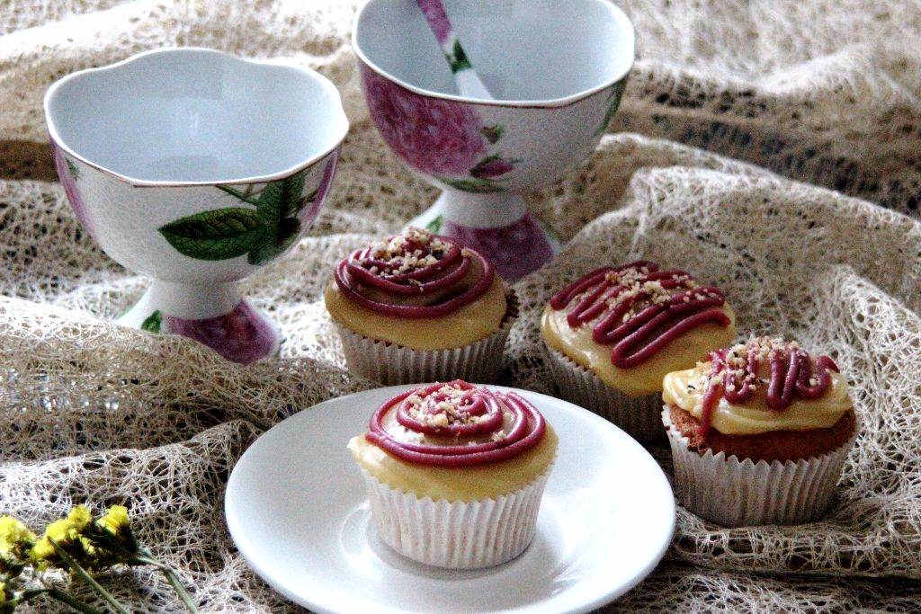 Classic Cupcakes with Cream