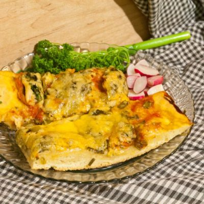 Mussel pizza with greens