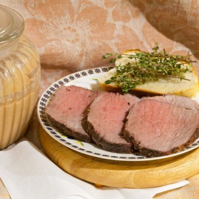Roast beef with thyme