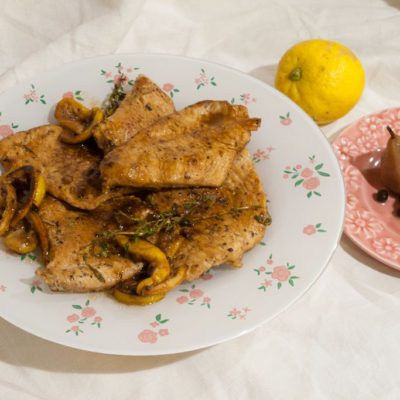 Fried turkey with lemons and thyme