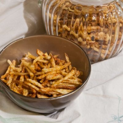 Shoestring potatoes in a